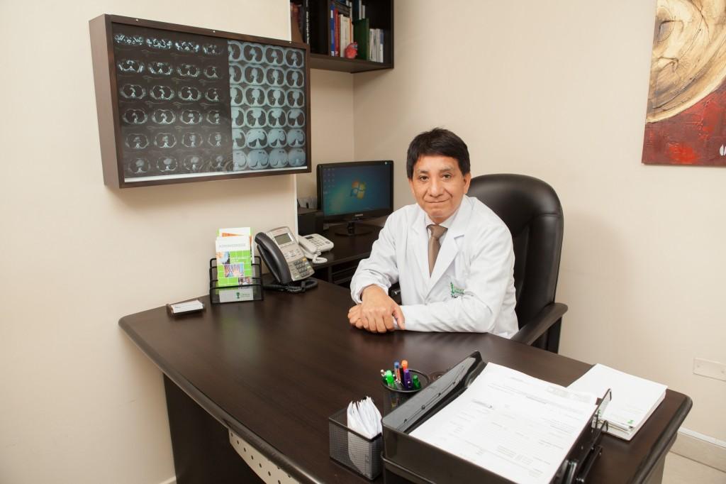 Imagen de Dr. Juan Velásquez C.